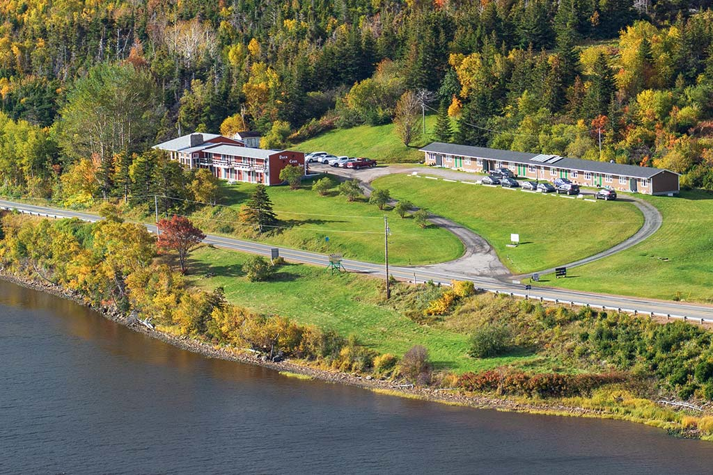 Duck Cove Inn - The Inn with the View, along the Cabot Trail